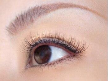 エシア アイラッシュアンドネイルアンドエステ(ecia eyelash&nail&esthe)の写真/【三田/同時施術OK】カールやカラーを豊富にご用意☆事前のしっかりとしたカウンセリングで理想の目元に♪