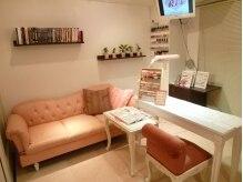 Ri's-nail room-
