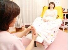 カイロプラクティックステラ(chiropractic stella)の雰囲気(施術ベッドで寛ぎながら、足裏の施術をお受けいただきます♪)