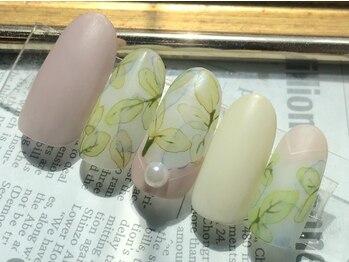 ネイル アトリエ ミジュ(nail atelier MijU)の写真/大人女性から支持率◎なMijUの【ワンポイントアート】繊細で上品なデザインを1人ひとりに合わせてご提案♪