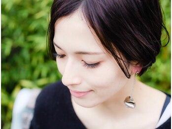 アネラ(ANELA)の写真/大人気『パリジェンヌラッシュリフト上下セット¥7900』根本を立ち上げ、自然で美しい次世代パーマ☆彡