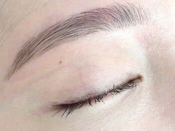 ビューティー アンド フリーハチ(Beauty & Free 8 HACHI)の写真/【大好評★アイブロウWax脱毛】印象を左右する眉毛!パーソナルアイブロウで印象に変化を♪[高円寺/一軒家]