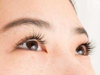 アイラッシュアンドエステ ウィッシュ(Wish)の写真/自まつ毛の状態に合わせてナチュラルな目元を演出♪お顔の印象もぱっちりeyeで華やかに。