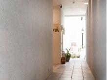 ビューティールーム リヴィア(BEAUTY ROOM RIVIA)/【外観】マンション入り口部分