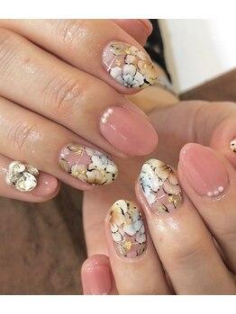 ネイルサロン ミヤビ(MIYAVI)/当店人気の花柄アート