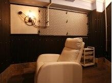 アイラッシュフラミンゴ(Eyelash Flamingo)の雰囲気(お部屋は半個室♪ひとつひとつテイストが異なります!)