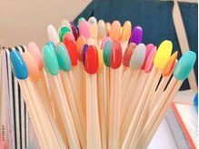 エムエムネイル(m.m nail)の雰囲気(カラーは100種類以上!)