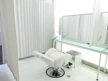 ウズヘアー(UZU HAIR)の雰囲気(施術スペースはリクライニングチェアとベッドがございます)