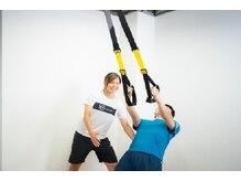 テンミニッツ(10min)の雰囲気(体幹を使いながら背中のトレーニング。効率よく鍛えられます!)