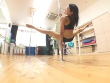 ポールダンススタジオモイサ(MOISA)の雰囲気(いろんな技ができていくって楽しい!年齢も気にせず!♪)