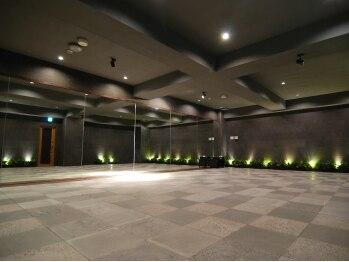 ホットラックス 梅田店(HOTLUX)(大阪府大阪市北区)