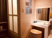 スパ ブリーズ(SPA BREEZE)の雰囲気(更衣室・シャワー・パウダーブース完備!入浴後のメイク直しも◎)