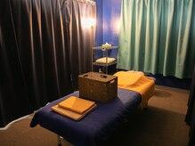 もみほぐしサロン シャイニング(Shining)の雰囲気(男性でもゆったりできる大きく頑丈なベッドを導入しております。)