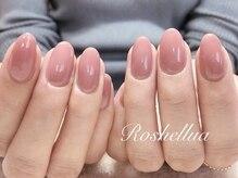 爪の形で手の印象は変わります。シンプルこそ美しいフォルムで♪