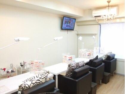 ネイルサロン マカロン 新宿店の写真