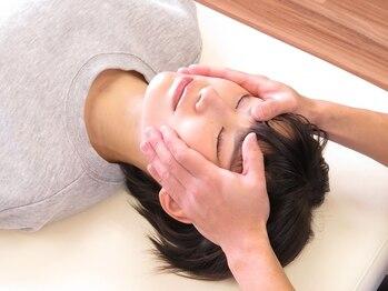ユア ボディールーム 広尾本院(YOUR BODY ROOM)の写真/《初回小顔矯正¥6500》顔だけの施術では意味がない!姿勢から改善し、持続する矯正でスッキリと☆
