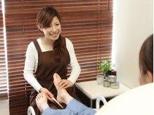 ゆったりソファーで、極楽フットネイルケア☆巻爪矯正も可能!