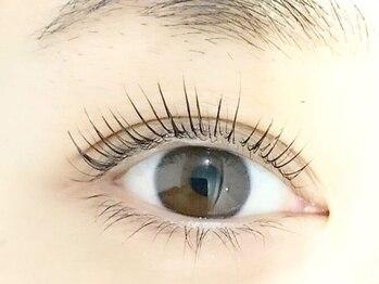 ガーランドリリー(garland Lily)の写真/新技法まつげパーマ★ケリーリフトラッシュ!2回目まで¥3980♪下向きまつ毛も自然な上向きで明るい目元に♪
