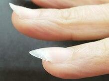 アフローディア ネイル(aphloadia nail)の雰囲気(ベースジェルは塗るだけではなく持ちの良い美しい形に整えます)