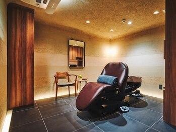 ヘッドスパ空 大阪梅田店の写真/完全個室!ヒーリング音楽・間接照明・床暖房・こだわりが詰まった大人の為の上質空間で,極上のヘッドスパを