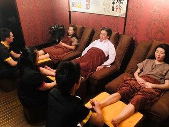 快足館の写真/《台湾式足裏40分+整体40分二人で ¥15120⇒¥12960》頭から足まで全身のだるさや、疲労回復に♪