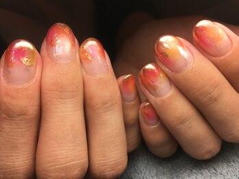 ネイルズ ラ ブリーサ(nails La Brisa)/透け感ミラーでサンセット風☆