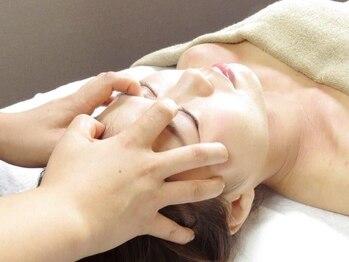 チル 札幌店(Chill)の写真/[全身筋膜+腸セラピー+小顔筋膜+洗顔+ヘッド150分]腸セラピーで便秘改善し、お肌の調子も上がる♪