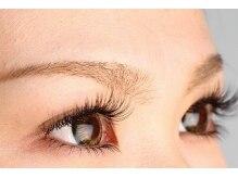 目の形に合わせた完全オーダーメイドで、魅力的な眼差しに♪