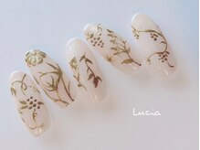ルチア(Lucia)/メタリックフラワーネイル♪