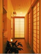 アーユルヴェーダ痩身サロン サムサラ(SAMSARA)/障子の続く廊下の先は癒しの空間