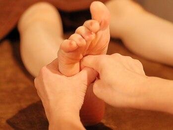 ほぐし屋けんぼ 新松戸の写真/【下半身むくみケア♪リフレ&ボディ60分¥3900~】足裏からアプローチをかけ姿勢の歪みを解消!腰痛にも効果的