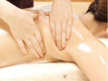 アーユルヴェーダ痩身サロン サムサラ(SAMSARA)/背中の不純物を絞って、流す