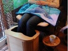 魔法のランプ オージ(Oji)の雰囲気(お湯のいらないフットバスだから簡単。足からじんわり温めて◎)
