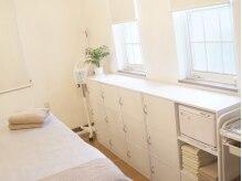 リンパエステ クアンミールの雰囲気(完全予約制、一軒家の一室で施術を行う小さなプライベートサロン)