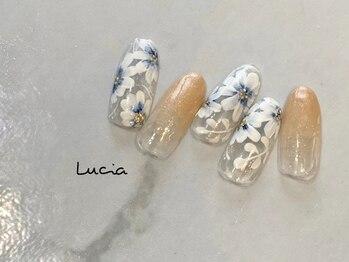 ルチア(Lucia)/フラワーネイル