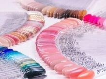 ネイルルーム アンドハート(NailRoom AndHeart)の雰囲気(250種類以上のカラーをご用意!)