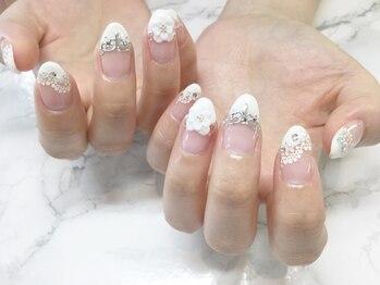 ネイルサロンブラン(nail salon BLANC)/ティアラのブライダルネイル