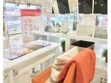 ネイルキューブ イオンスタイル 徳島店の雰囲気(飛沫ガード設置済み)