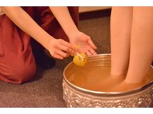 ルアンルアン 浦和店の雰囲気(タイハーブを使用した足浴が大人気です!)