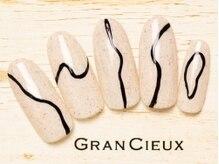 グランシュクアトロ 千葉店(GranCieux × QUATRO)/砂ジェル×個性派ラインアート