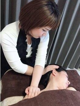 アズーラ(AZURA)の写真/【行橋/完全個室】肩こり/頭痛/眼精疲労に◎メイクしたままOK!フェイシャル+顔筋+骨格矯正マッサージ¥4400