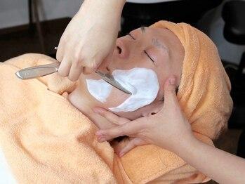 シェービングアンドエステ ブランピュア(Blanc pur)の写真/ただのヒゲ剃りとは違う!一皮剥けたようなモチモチプルプル肌を体感できる新感覚シェービングエステ☆