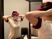 スタッフのマスクおよびフェイスシールドの着用