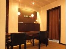Relaxation 整体 エフの雰囲気(KoRoKuビルの4F【ESPACE】内にお店があります。 )