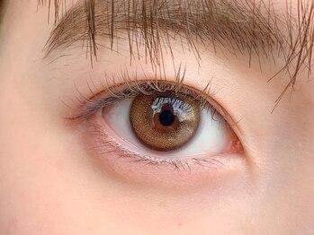 ロッティ アイラッシュ(lotti eyelash)の写真/高技術な施術とデザイン性重視のナチュラルブラウンが大人気!!印象が変わるカラーエクステで新しい自分に♪
