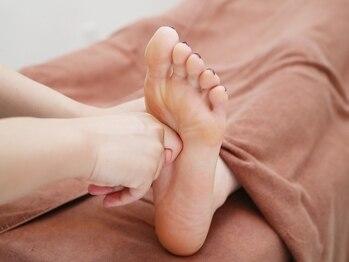 リファイン 月島店(Re:Fine)の写真/【足裏ケア30分¥2800~】1人1人の状態にあわせて足裏を的確に刺激!疲れ・むくみを解消☆スッキリ美脚に♪