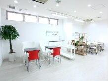 衛生管理も徹底。白を基調とした清潔感溢れる空間です。