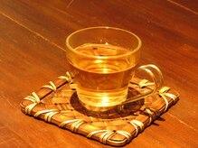 リラックス けやきウォーク前橋店の雰囲気(あったかい桑茶をサービスしております!)