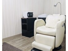 まつ毛エクステは個室でリラックスできる時間をご提供!
