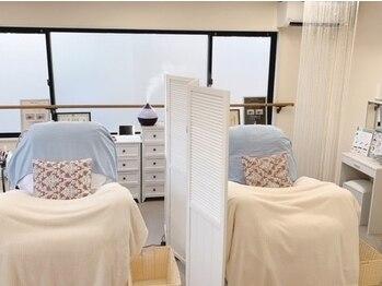 サロンメリア(salon Melia)の写真/プライベート空間でゆったりと♪ふわふわリフライニングソファー完備♪